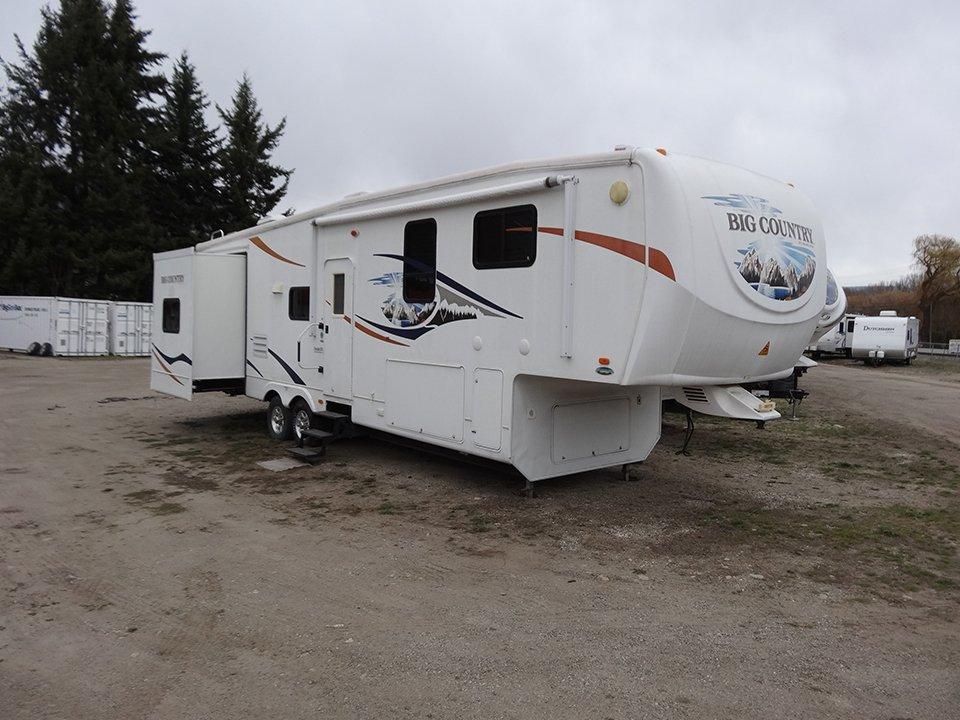 2009 Big Country 5th Wheel – Model 3490 BHS
