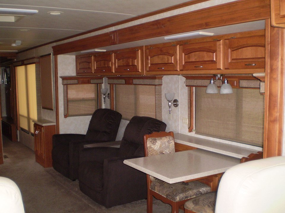 2007 Monaco Holiday Rambler-Interior Sitting Area