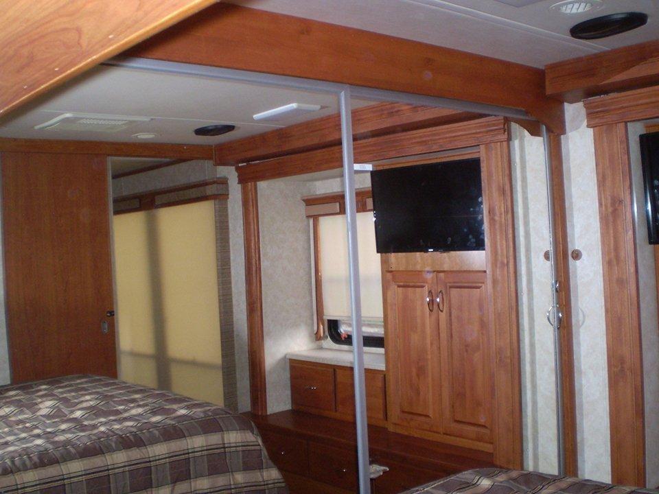 2007 Monaco Rambler-Interior Mstr Bdrm Mirrored Closet Area