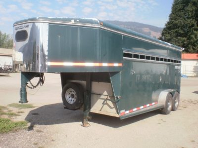 2004 Southland 18 Foot Horse Trailer